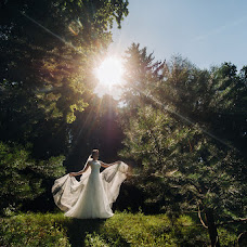 Wedding photographer Aleksandr Lobach (LOBACH). Photo of 06.08.2018