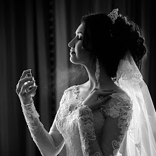 Wedding photographer Elvina Zabirova (elvina1995). Photo of 07.08.2017