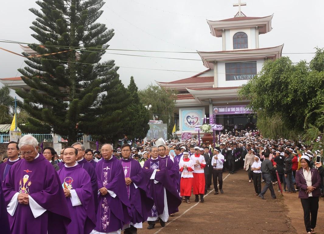 Thánh lễ an táng Cha Đaminh Vũ Đức Hậu - Giáo phận Ban Mê Thuột - Ảnh minh hoạ 19