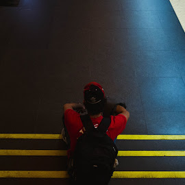 waiting by Clément Viguier - People Street & Candids ( lisbon, underground, street, lisboa, metro, street photography )