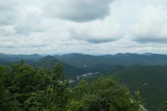 西方面(奥に高賀三山)