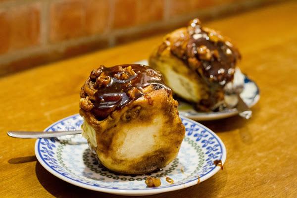 Fly's kitchen 蒼蠅廚房 台北市東區 不睡覺也要喝 肉桂捲 甜點 咖啡