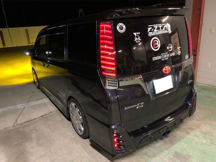 エスクァイア ZWR80GのE.C.O.J,福岡,センターマフラー,改良型,ご安全に!に関するカスタム&メンテナンスの投稿画像1枚目