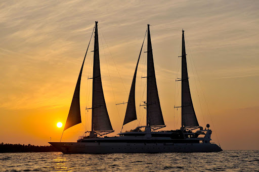 Ponant-maldives7.jpg - Le Ponant at sunset. The beautiful sailing ship explores the Mediterranean, Caribbean, Indian Ocean and other exotic destinations.
