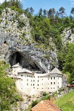 Photo: W taką skałę wkomponowany i duża jego część stanowi jaskinie