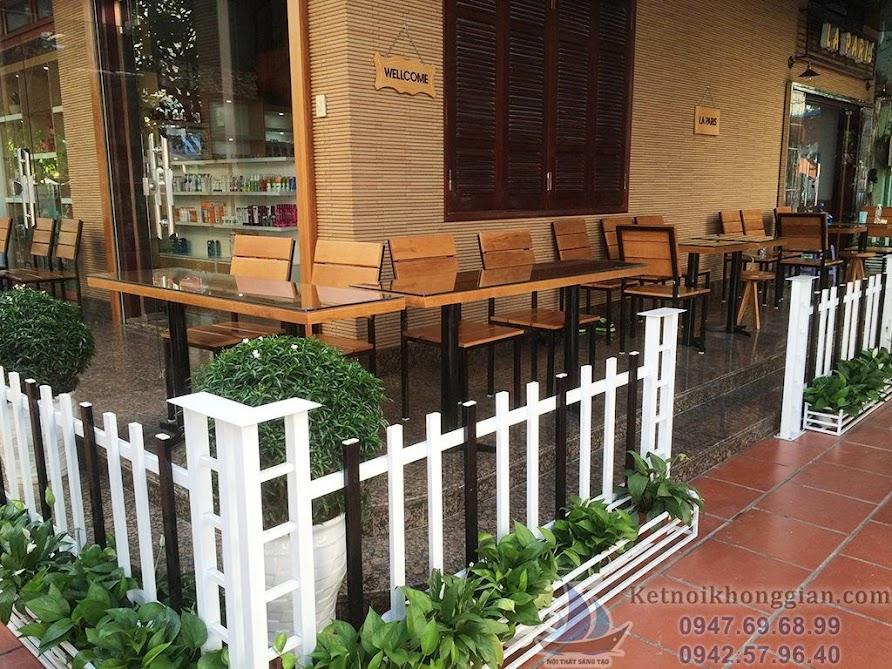 thi công quán cafe giống hết hệt bản thiết kế