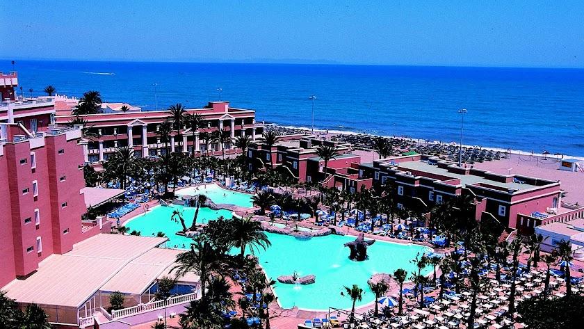 Hotel Playa Capricho en Roquetas, el último en cerrar de la cadena Senator.