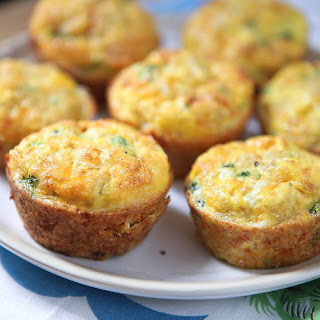 Broccoli Cheese Frittata Muffins with Quinoa