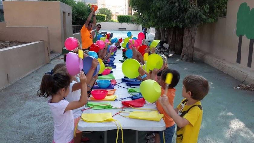 Kids and Big organiza Fiestas Temáticas, Servicio de Ludoteca y momentos 100% inolvidables para familias, centros educativos y público en general