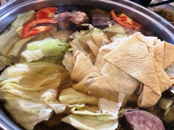 汕頭泉成沙茶火鍋。傳承一甲子的古早美味。