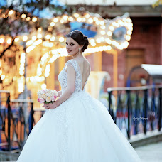 Wedding photographer Andrey Tatarashvili (LuckyAndria). Photo of 28.11.2017