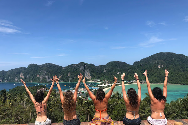 Hike to the viewpoint on Koh Phi Phi Don