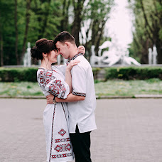 Wedding photographer Olya Khmil (khmilolya). Photo of 08.05.2019