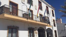Fachada del Ayuntamiento de Olula del Río.