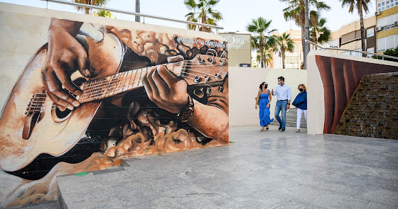 La capital estrena dos grafitis de Nauni69 y Danklabara en favor de la igualdad