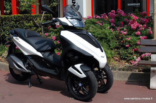 occasion piaggio mp3 yourban lt 300 sport blanc 2014 1200kms vendu saint maur motos. Black Bedroom Furniture Sets. Home Design Ideas