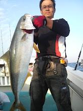"""Photo: ヒラス4.7kgで締めました! 今日も一日ありがとうございました!  船頭さんは、明日、憧れの""""サンライズ""""に乗船してきます!"""