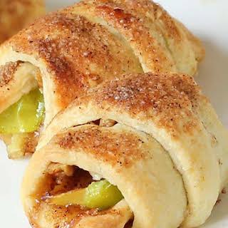 Easy Apple Pie Bites.