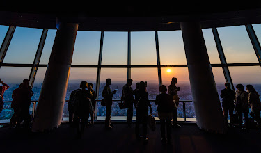 Photo: People enjoying a May sunset at the Tokyo Skytree