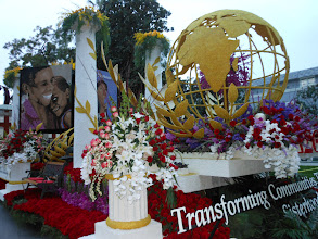 Photo: Pasadena Rose Parade 2013 Delta Sigma Theta Sorority First Afro-American Female Float