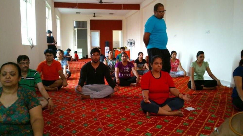 best-yoga-classes-delhi-mediplex-yoga-centre-image