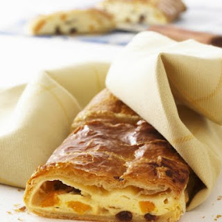 Pastry Stuffed with Soft Cheese