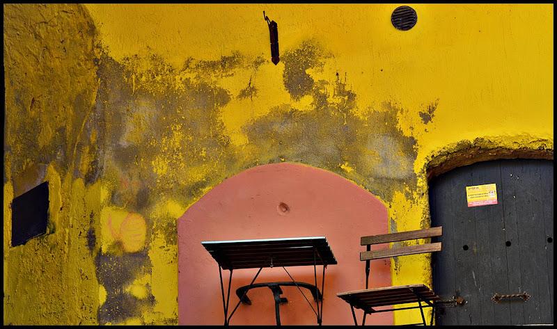 corrupt yellow di Chiarella
