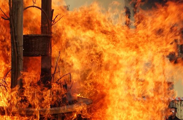 Fire and flames di viola94
