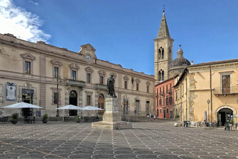 Sulmona (AQ), Piazza XX Settembre di GVatterioni
