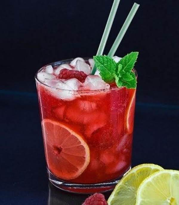 Champagne Raspberry Lemonade