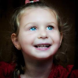 little lady by Daniel Markiewicz - Babies & Children Child Portraits