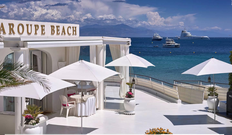 Villa avec piscine en bord de mer Cap d'Antibes