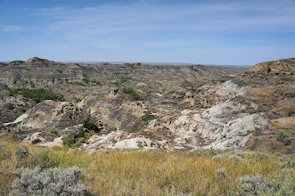 Photo: Today, the badlands of Makoshika are set aside for visitors to see and enjoy.