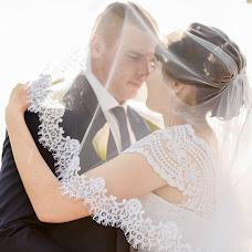 Wedding photographer Denis Konstantinov (380960170930). Photo of 14.02.2018