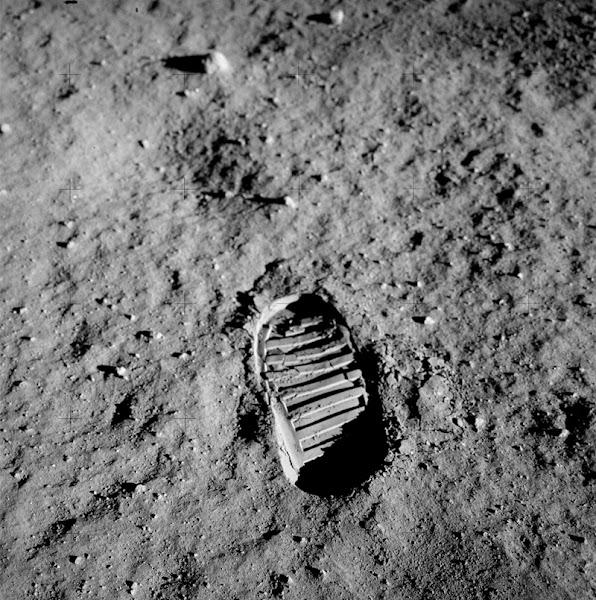 Photo: Buzz Aldrins fotspår på månen
