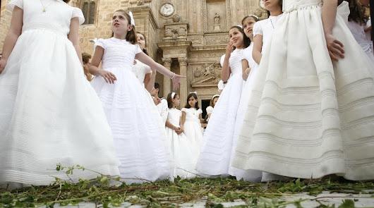 Almería podría celebrar comuniones en las dos últimas semanas de mayo