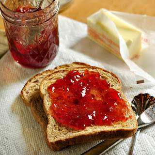 How to make and can Strawberry Jam