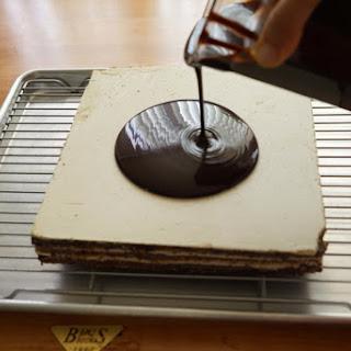 Chocolate Mirror Glaze - Glaçage brillant au chocolat.