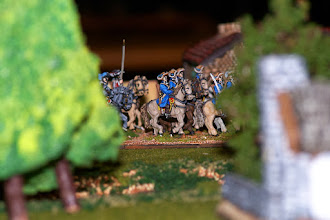Photo: La Gardes te Paard in marcia verso il guado del mulino (miniature Venexia, materiale scenico autocostruito)