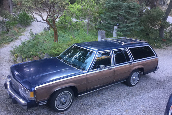 1991 Ford Crown Victoria Country Squire 8 passenger wagon Hire Palm Springs