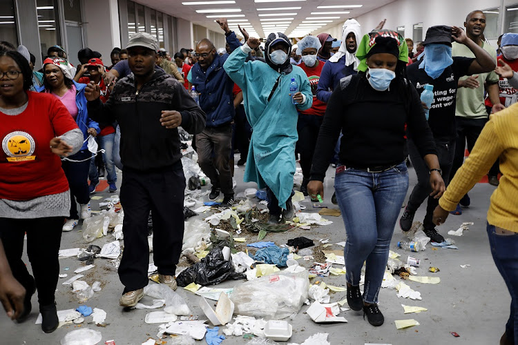 Protesters invade Charlotte Maxeke Academic hospital in Johannesburg on May 31 2018.