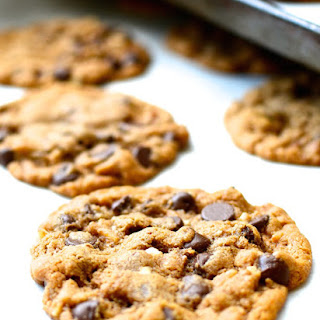 Flourless Butterless Almond Butter Chocolate Chip Cookies