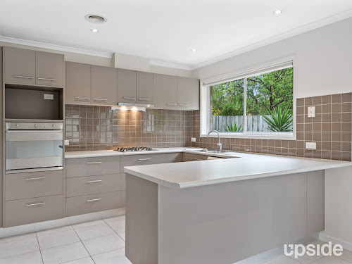Photo of property at 2/58 First Avenue, Rosebud 3939