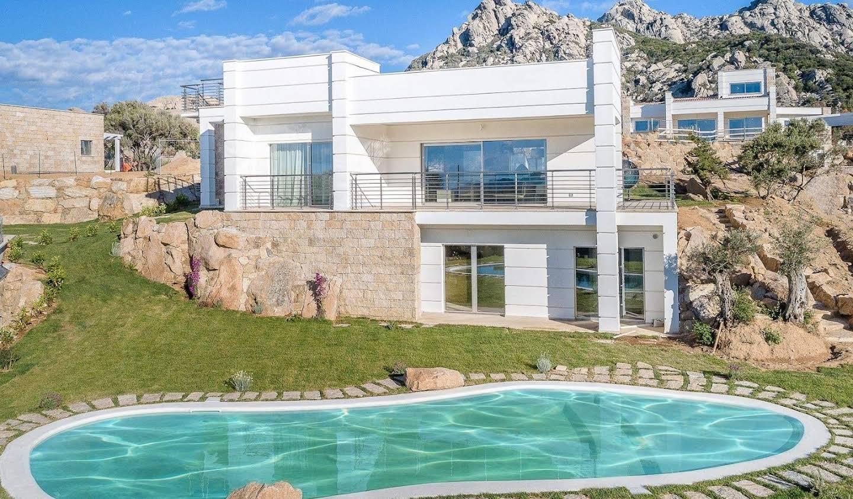 Villa with pool and garden Liscia di Vacca