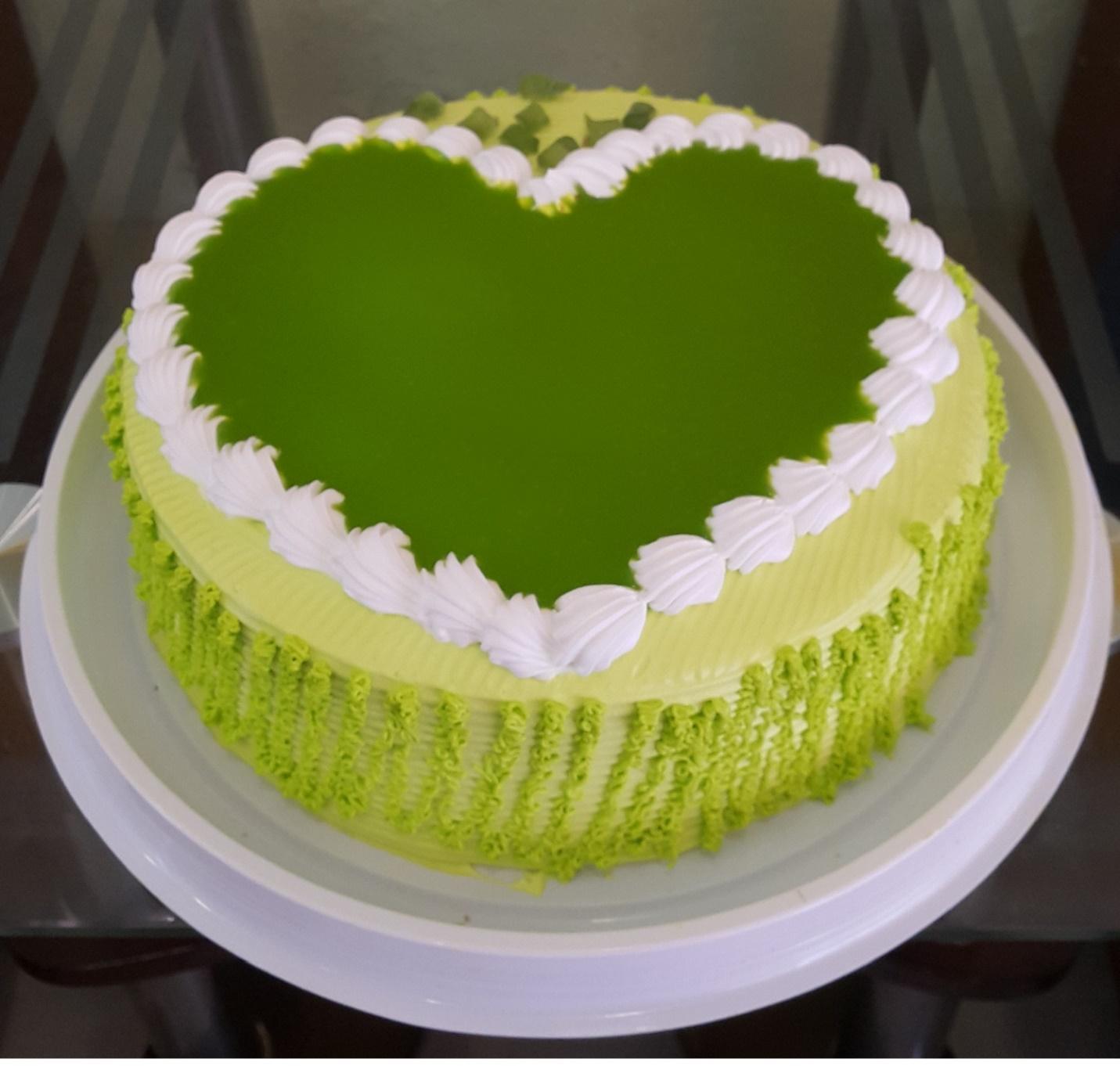 Nên mua bánh kem sinh nhật trà xanh ở đâu?