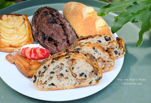 多爾 法式烘焙 |台中西屯七期烘焙坊 除了麵包外帶,還有早午餐、咖啡,附停車場