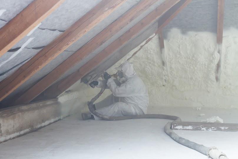 pianka poliuretanowa do ocieplania domów
