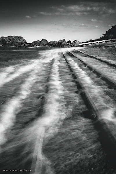 Photo: Water Lines… *  At a fishing port in Aomori, Japan…  With Sony NEX-7 & Carl Zeiss Sonnar T E 24mm F1.8 ZA  #MonochromeMonday curated by +Hans Berendsen+Jerry Johnson+Manuel Votta+Steve Barge+Nurcan Azaz #LeadingLinesMonday curated by +Pam Chalkley-Boling+Michael Stuart+Elle Rogers+David Murphy #swdpcl +BW DIGITAL PHOTOGRAPHY CLASSIC STYLE #swdpcl curated by +peter paul müller #LandscapePhotography curated by +Margaret Tompkins+Carra Riley+paul t beard+Ke Zeng+David Heath Williams #SeaTuesday curated by +Julia Anna Gospodarou  #monochrome #blackandwhite #seascape #zeiss