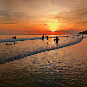 by Chakrabarty Oiiupuyu - Landscapes Beaches