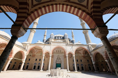 【世界遺産】トルコで最も美しいモスク、エディルネの「セリミエ・ジャーミィ」